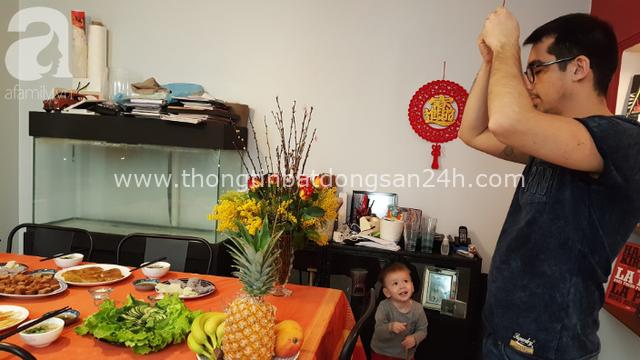 Gái Việt lấy chồng Tây: Chồng lao vào sắm sửa cho vợ bê cả Tết Việt Nam sang xứ người, phản ứng của bố mẹ chồng mới thú vị - Ảnh 6.