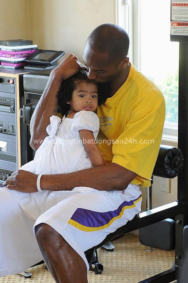 Gianna Maria-Onore Bryant: Cô gái bé bỏng cùng ước mơ kế tục di sản Black Mamba của huyền thoại bóng rổ Kobe Bryant - Ảnh 4.