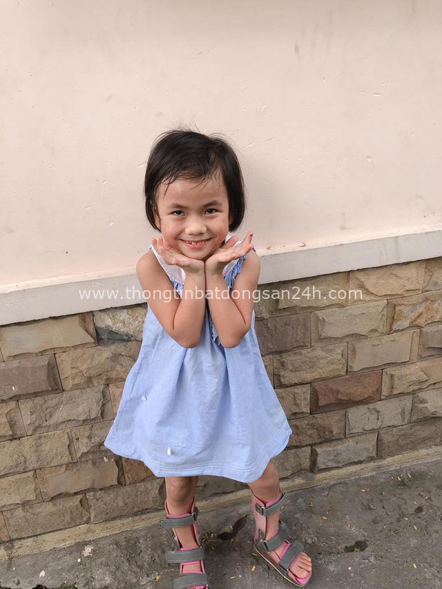 Hình ảnh mới nhất của em bé Mường Lát không có quần áo ngồi bệt giữa trời giá rét trong dịp đầu năm mới - Ảnh 5.