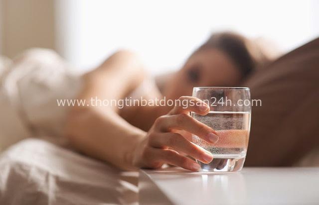Những thói quen thường thấy trong ngày Tết là thủ phạm hủy hoại sức khỏe, tránh được đến đâu hay đến đó - Ảnh 3.