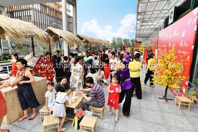 Rộn ràng Tết Việt ở chung cư, khu đô thị - Ảnh 2.