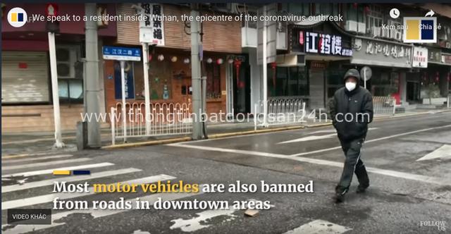 Rùng mình đoạn clip phóng sự cho thấy vài ngày sau lệnh phong tỏa, ổ dịch Vũ Hán đã hóa thành phố ma lạnh lẽo do vắng bóng người - Ảnh 7.