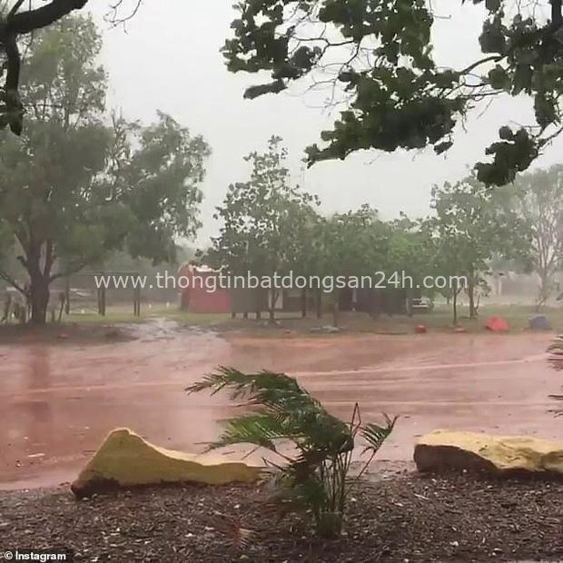 Thảm họa cháy rừng chưa qua, Úc lại đối mặt với thiên tai mới: Cuồng phong tiến vào với sức gió huỷ diệt có thể lên tới 125km/h - Ảnh 3.