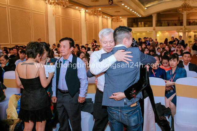 Thương hiệu Việt tổ chức gala cuối năm bằng 500 lá thư tay xúc động - Ảnh 2.