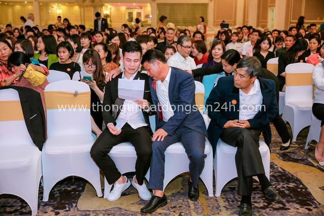 Thương hiệu Việt tổ chức gala cuối năm bằng 500 lá thư tay xúc động - Ảnh 3.