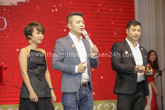 Thương hiệu Việt tổ chức gala cuối năm bằng 500 lá thư tay xúc động - Ảnh 4.