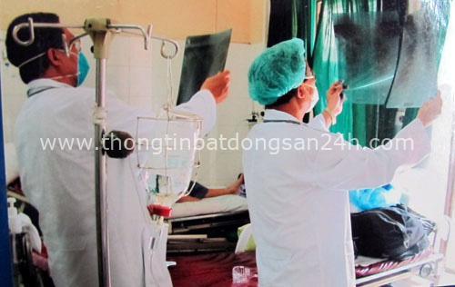 Trong khi thế giới đang lo sợ viêm phổi Vũ Hán, đã từng có một vị bác sĩ hy sinh bản thân mình để cứu nhân loại thoát khỏi đại dịch SARS - Ảnh 3.