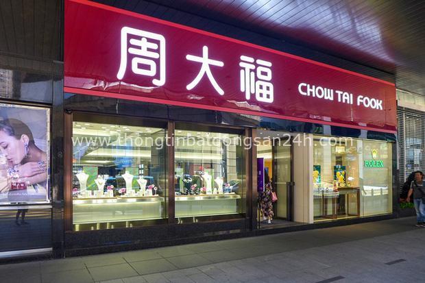 Người đứng sau đế chế trang sức Chow Tai Fook lừng danh: Từ cậu bé nghèo đến ông vua Kim Hoàn có mối thâm tình với tỷ phú Lý Gia Thành - Ảnh 1.