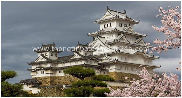 Tòa lâu đài trắng lung linh ở Nhật Bản chứa đựng bí ẩn về linh hồn của nữ người hầu bị chính người thương của mình giết chết tại đây - Ảnh 1.