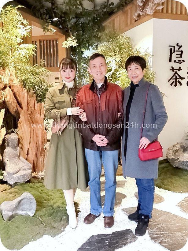 Xót xa cô gái trở về Vũ Hán thăm mẹ mắc bệnh ung thư rồi bị chẩn đoán nhiễm virus corona cùng bố, gia đình mỗi người một nơi trong bệnh viện - Ảnh 1.