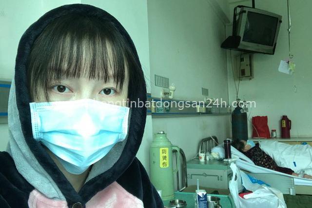 Xót xa cô gái trở về Vũ Hán thăm mẹ mắc bệnh ung thư rồi bị chẩn đoán nhiễm virus corona cùng bố, gia đình mỗi người một nơi trong bệnh viện - Ảnh 3.