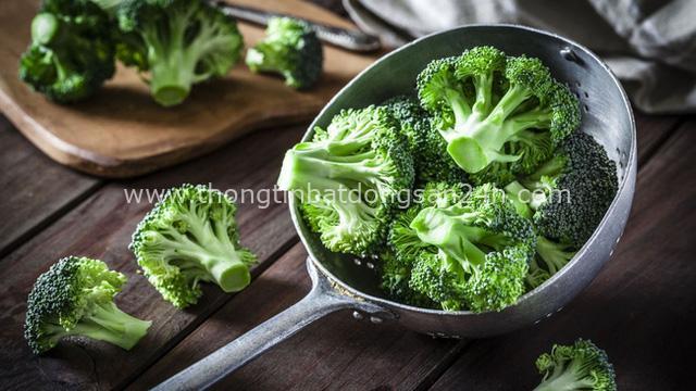 10 loại thực phẩm tuyệt vời cần phải có trong thực đơn hàng ngày: Giàu vitamin, giúp chống bệnh tật lại vô cùng phổ biến - Ảnh 2.