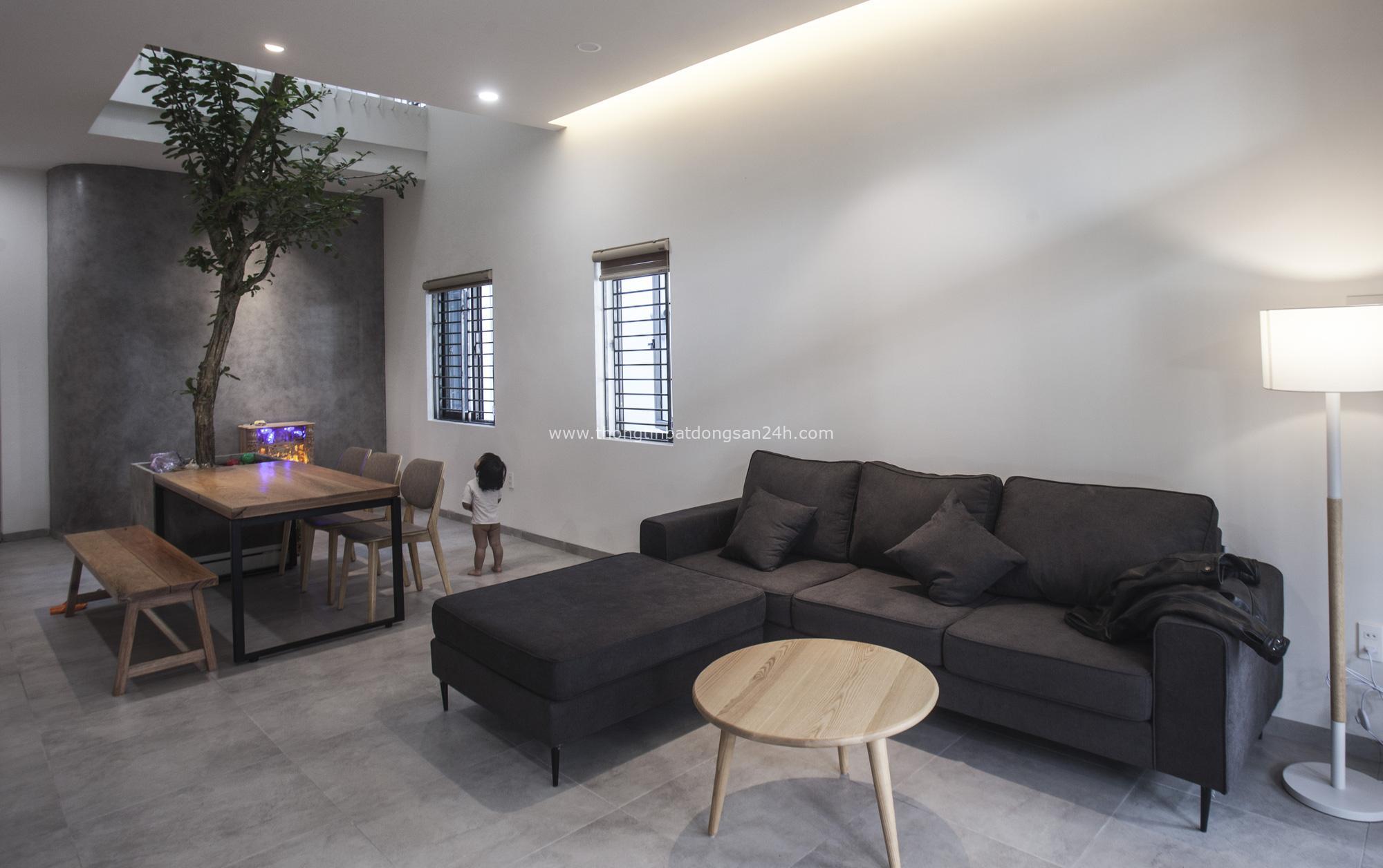 Ngôi nhà 2,5 tầng với tổng diện tích 240m2 đẹp sang trọng và tối giản ở Đà Nẵng - Ảnh 4.