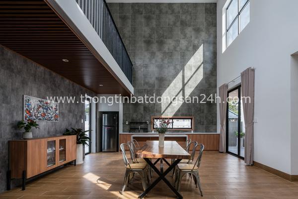 'Nhà của mẹ' tại Đồng Nai với bếp đặt giữa nhà, phòng khách ở mái hiên 7