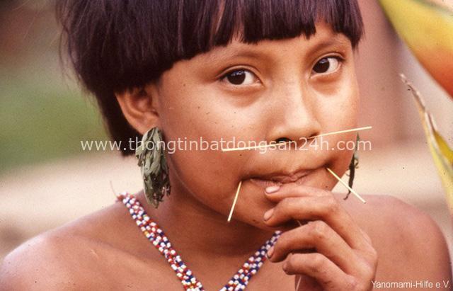 Bộ lạc kỳ dị ở Nam Mỹ: Cuộc sống khép kín và hủ tục mai táng bằng cách ăn tro cốt của người chết - Ảnh 5.