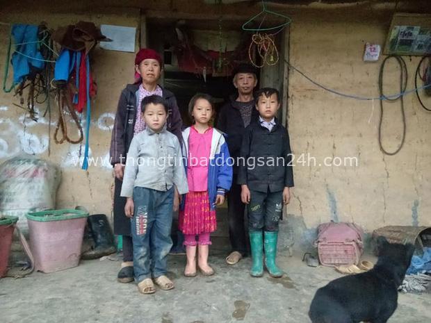 Cậu bé Hà Giang 12 tuổi cõng gạch cay kiếm 18.000 đồng/ngày được hỗ trợ hơn 40 triệu đồng - Ảnh 3.