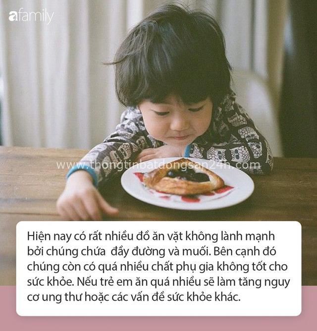"""Cậu bé mới 2 tuổi đã mắc ung thư phổi, cha mẹ khóc ngất khi đã vô tình đẩy con vào """"cửa tử"""" chỉ vì lối sống sai lầm của người lớn - Ảnh 3."""