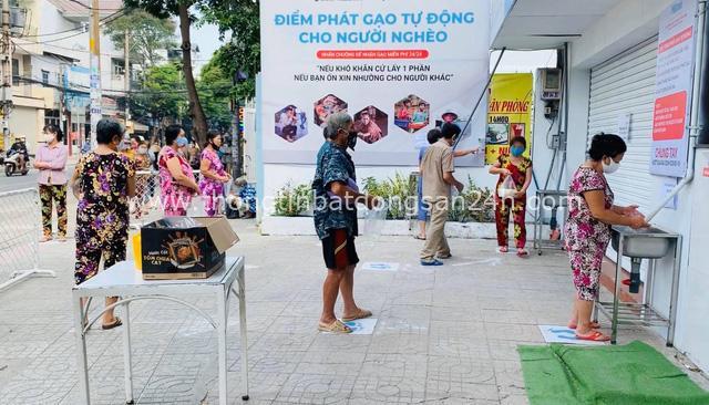 """Gạo Hoa Lúa đồng hành cùng Kim Tuyến lấp đầy """"ATM gạo"""" nghĩa tình - Ảnh 2."""