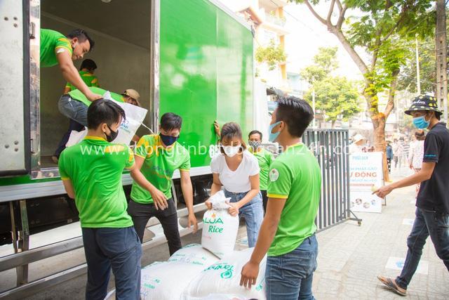 """Gạo Hoa Lúa đồng hành cùng Kim Tuyến lấp đầy """"ATM gạo"""" nghĩa tình - Ảnh 3."""
