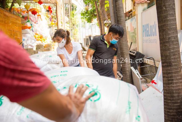 """Gạo Hoa Lúa đồng hành cùng Kim Tuyến lấp đầy """"ATM gạo"""" nghĩa tình - Ảnh 4."""