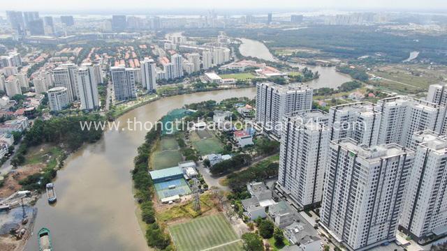 Ken đặc chung cư trên con đường ngoại ô Sài Gòn nhìn từ trên cao - Ảnh 3.