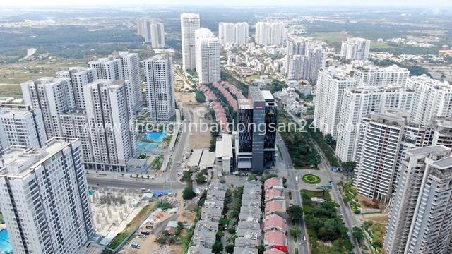 Ken đặc chung cư trên con đường ngoại ô Sài Gòn nhìn từ trên cao - Ảnh 9.