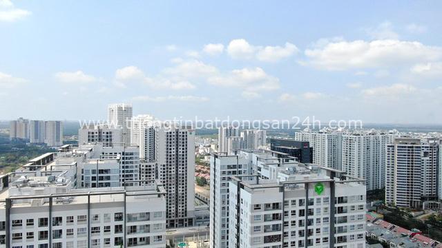 Ken đặc chung cư trên con đường ngoại ô Sài Gòn nhìn từ trên cao - Ảnh 10.