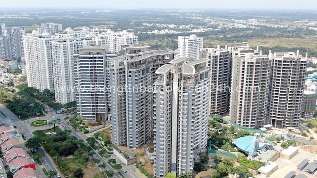 Ken đặc chung cư trên con đường ngoại ô Sài Gòn nhìn từ trên cao - Ảnh 12.
