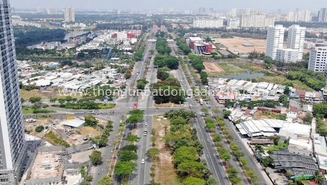 Ken đặc chung cư trên con đường ngoại ô Sài Gòn nhìn từ trên cao - Ảnh 20.