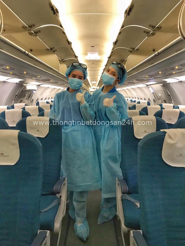 Nữ tiếp viên hàng không đưa 172 du học sinh mắc kẹt về nước: 12h đêm hạ cánh, vỡ oà khi hành khách thốt lên Đã được về nhà rồi - Ảnh 2.