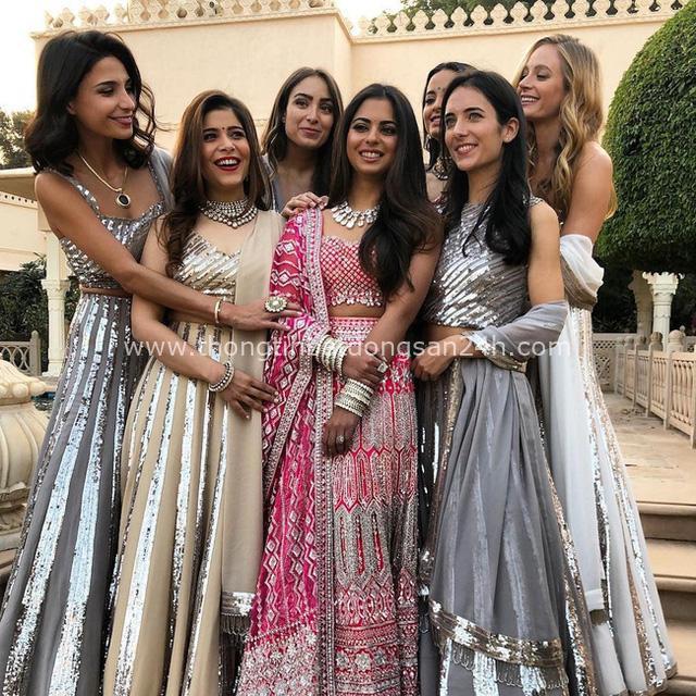Ái nữ của tỷ phú giàu nhất châu Á: Thành tích học tập đáng nể, cuộc sống phủ đầy kim cương cùng đám cưới siêu khủng hơn 2000 tỷ đồng - Ảnh 4.