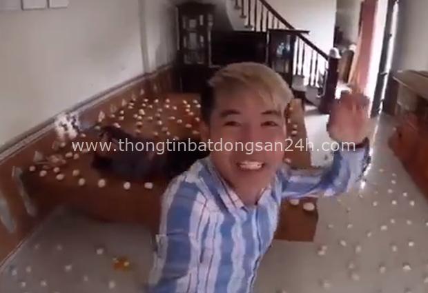 Bà Tân và Hưng Vlog từ một kênh nổi tiếng với những món siêu to khổng lồ ngày càng sa sút, có khi thành nơi hứng gạch đá đủ để... xây nhà - Ảnh 5.