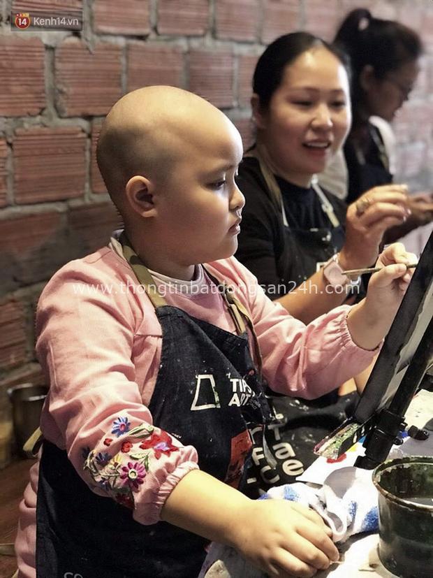 """Bé gái 8 tuổi bị ung thư máu buộc phải ghép tuỷ: """"Con ước đây chỉ là giấc mơ thôi mẹ, tỉnh dậy con sẽ khỏe mạnh như trước"""" - Ảnh 15."""