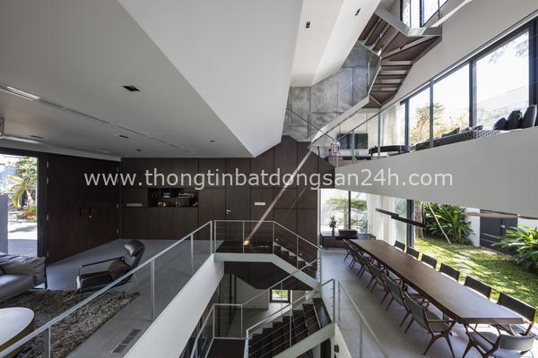 Bị hạn chế chiều cao, ngôi nhà ở TP HCM làm thêm một tầng hầm 'xa xỉ' 2