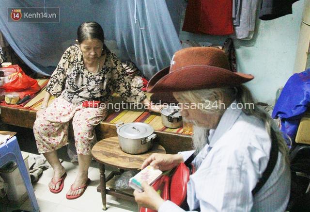 Chuyện ông thần tài đi khắp Sài Gòn để bán vé số may mắn: Có người nói tôi việc nhà không xong mà bày đặt đi giúp người nghèo - Ảnh 6.