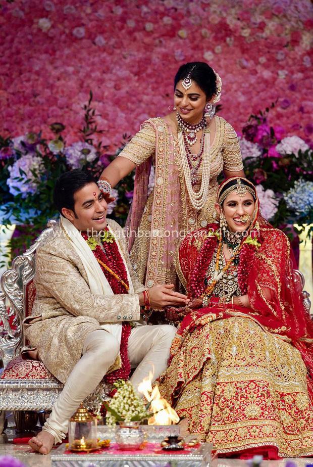 Con dâu của tỷ phú giàu nhất châu Á: Gia thế không tầm thường, nên duyên từ năm 4 tuổi và được mẹ chồng cưng chiều với quà cưới 1000 tỷ đồng - Ảnh 3.