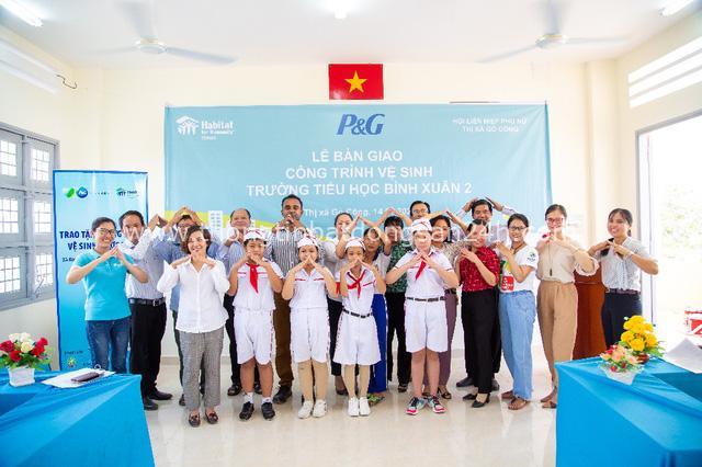 Cùng xây ngôi nhà tươm tất cho người nghèo tại Đồng Bằng Sông Cửu Long - Ảnh 2.