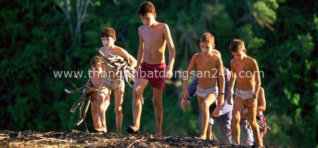 Dong buồm ra khơi rồi gặp bão biển, 6 cậu bé mắc kẹt trên đảo hoang suốt 15 tháng và cuộc giải cứu ly kỳ như phim - Ảnh 4.