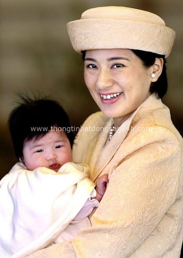 Hoàng hậu Masako - người mẹ từng vượt qua căn bệnh trầm cảm, dùng kỷ luật thép để dạy con sống như thường dân, không có đặc quyền dù là công chúa - Ảnh 2.