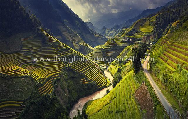 4 địa danh tại Việt Nam xứng đáng để bạn xách ba lô lên và đi: Vừa ngẩn ngơ trước thiên nhiên tráng lệ, vừa thoả mãn khát khao chinh phục điểm đến kì thú - Ảnh 1.