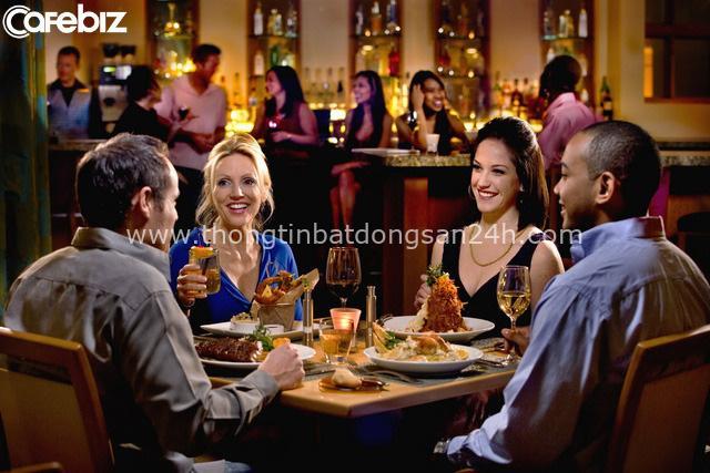 Ăn hàng uống quán: 3 điều nhất định phải tránh nếu không muốn bị coi thường, bất kể là ăn cùng ai - Ảnh 2.