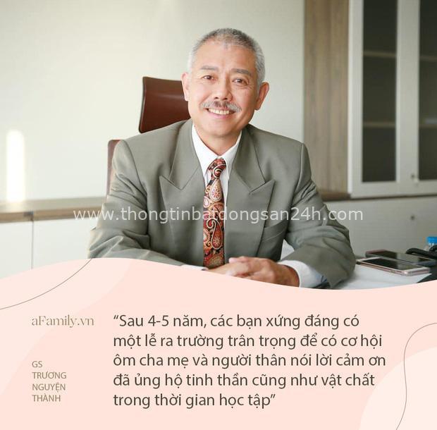 Bài diễn văn tốt nghiệp gây sốt với triết lý sâu sắc của GS Trương Nguyện Thành gửi sinh viên: Dù hoàn cảnh nào thì ngày mai mặt trời cũng sẽ mọc - Ảnh 1.