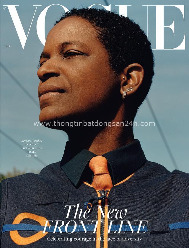 Bìa tạp chí thời trang nổi tiếng Vogue UK bất ngờ tôn vinh 3 người phụ nữ bình thường - Ảnh 1.
