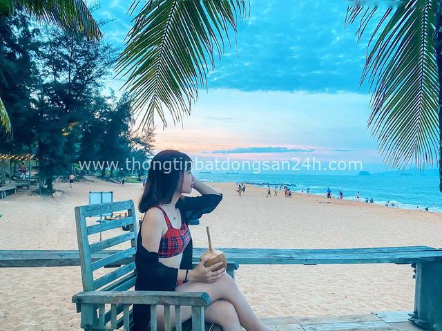 Cách Hà Nội 4 giờ đồng hồ, biển Bãi Đông vừa sạch vừa vắng chi phí chỉ 1 triệu quá hợp lý cho 2 ngày cuối tuần - Ảnh 8.