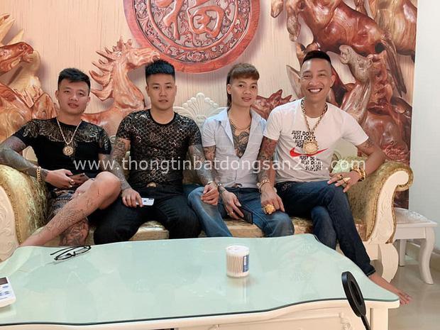 Chân dung Huấn Hoa Hồng: Giang hồ mạng 2 lần đi cai nghiện, thản nhiên ra sách chui và đóng MV quảng cáo cờ bạc trá hình - Ảnh 6.