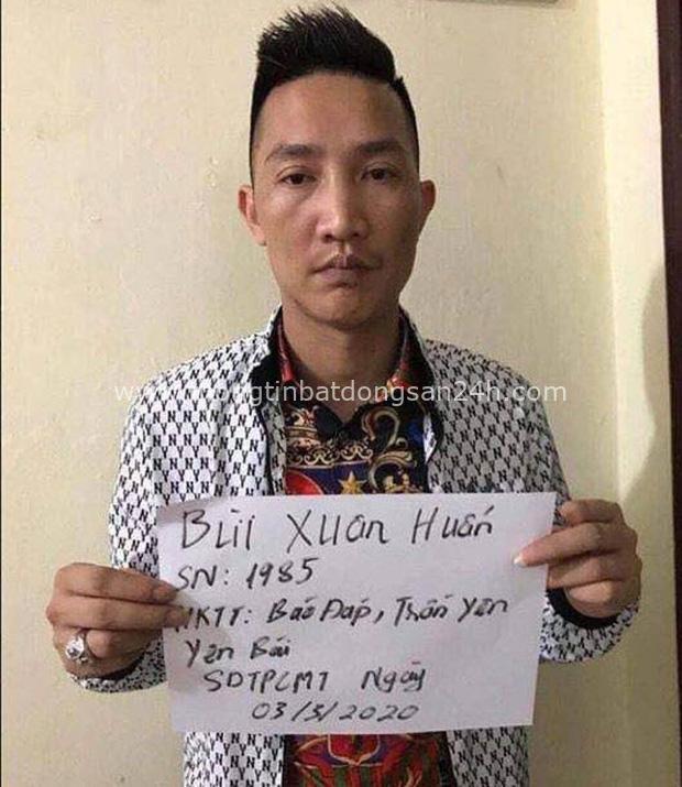 Chân dung Huấn Hoa Hồng: Giang hồ mạng 2 lần đi cai nghiện, thản nhiên ra sách chui và đóng MV quảng cáo cờ bạc trá hình - Ảnh 11.