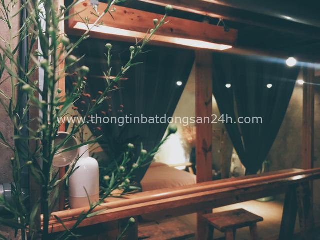 Chán phòng trọ nóng bức chật chội ở thành phố, cặp vợ chồng vay 350 triệu lên Đà Lạt cải tạo nhà cũ theo phong cách tối giản kiểu Nhật vừa ở vừa kinh doanh - Ảnh 8.
