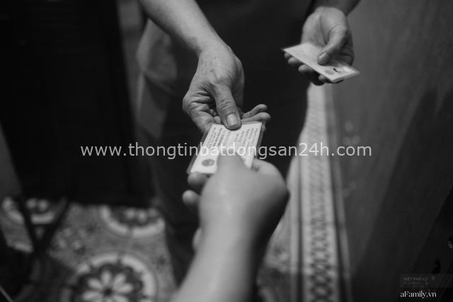 Chuyện của cô Lụa ô sin: Con cái phụng dưỡng đủ đầy vẫn đến Hà Nội để làm bàn tay và đôi mắt cho những người khiếm thị - Ảnh 4.