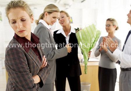 Chuyên gia lý giải vì sao không nên coi đồng nghiệp là bạn thân thiết, dân công sở nên khắc cốt ghi tâm - Ảnh 2.