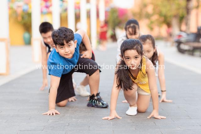 Cùng con trải nghiệm mùa hè khác biệt: Kỳ nghỉ thể thao sang chảnh all in one tại phố cổ Hội An - Ảnh 1.